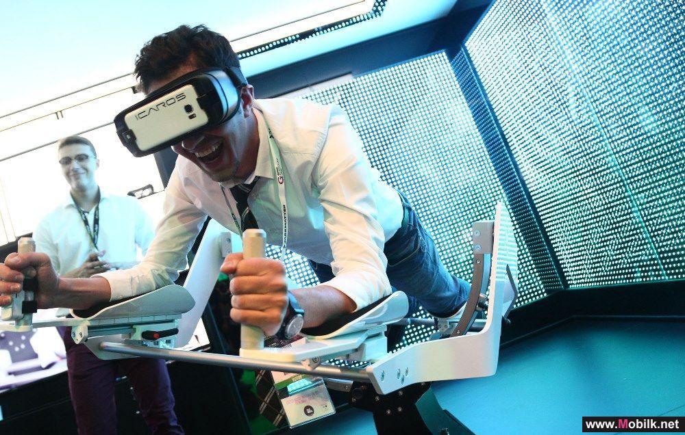 زوار معرض جيتكس يختبرون أحدث تقنيات الواقع الافتراضي من الأفعوانيات إلى اللياقة البدنية