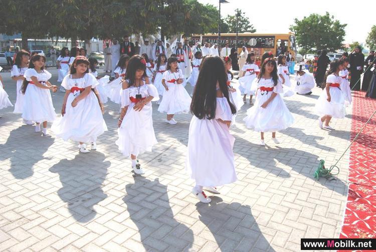 اتصالات الامارت تحتفل بهذه المناسبة الوطنية في كافة فروعها المنتشرة بالدولة