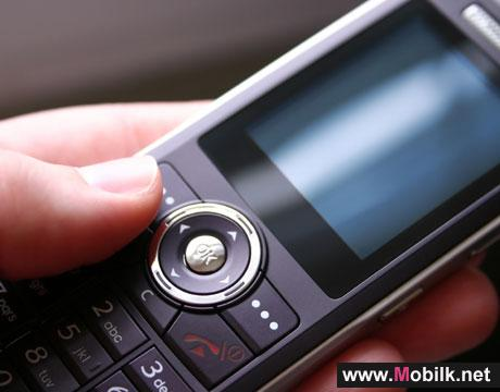 Cell Phone Studies Urged Amid Health Fears
