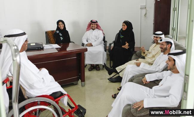 الهيئة العامة لتنظيم قطاع الاتصالات الاماراتية تزور مركز البرزة للمسنين