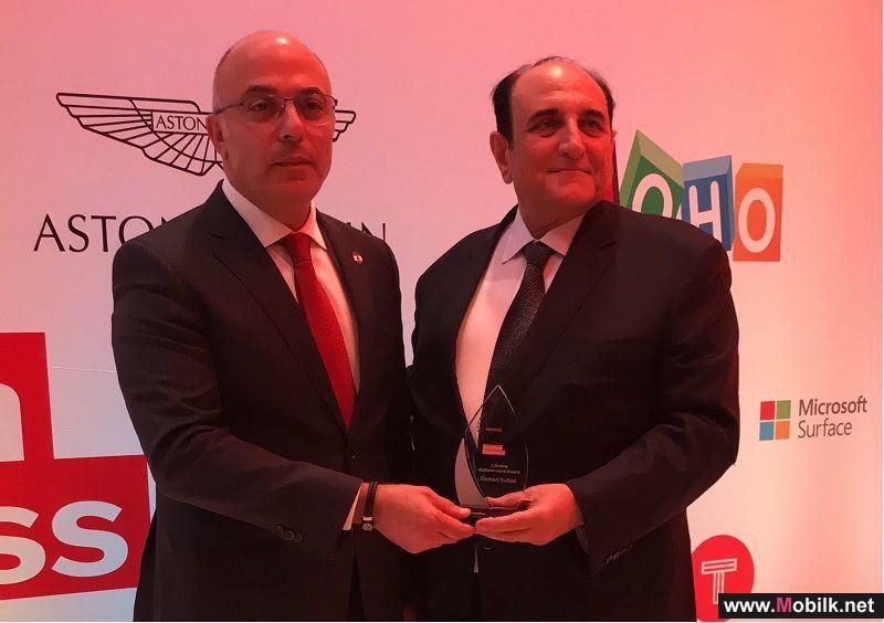 عثمان سلطان ينال جائزة مرموقة في حفل توزيع جوائز