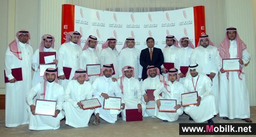 رئيس شركة  الاتصالات السعودية يشيد بجهود بمراكز الاتصال في تدريب الموظفين وتطوير مهاراتهم لتلبية رغبات العملاء