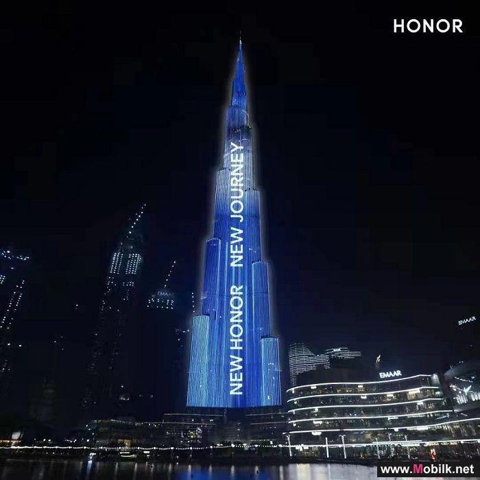 HONOR تُضيء برج خليفة في دبي إعلاناً لبدء رحلتها الجديدة لتصبح علامة تجارية رائدة في عالم التكنولوجيا مع منتجات استهلاكية متطورة وعملية لدولة الإمارات العربية المتحدة