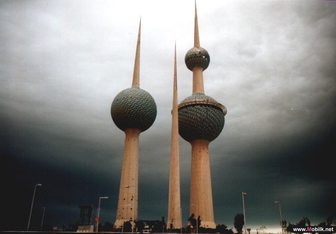 53% من الكويتيين يتبادلون الرسائل النصية القصيرة أثناء القيادة