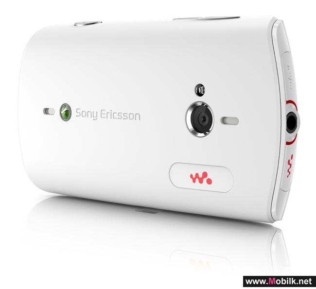 تجربة موسيقية اجتماعية فريدة مع هاتف (Sony Ericsson Live with Walkman™) الذكي الجديد من سوني إريكسون