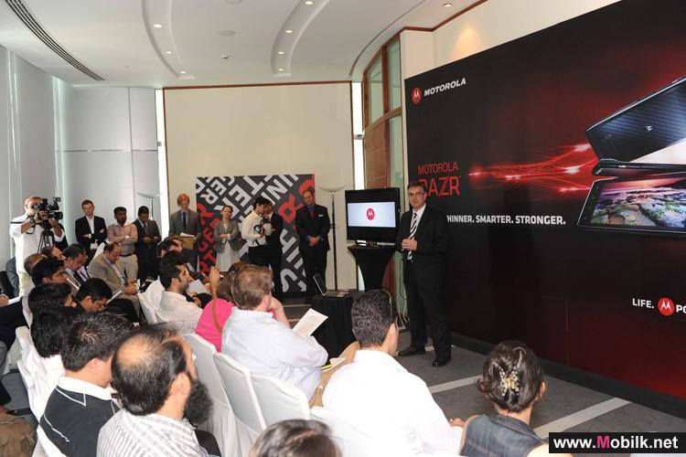 موتورولا موبيليتي تطلق جهازها الجديد Motorola RAZR™ في أسواق منطقة الشرق الأوسط