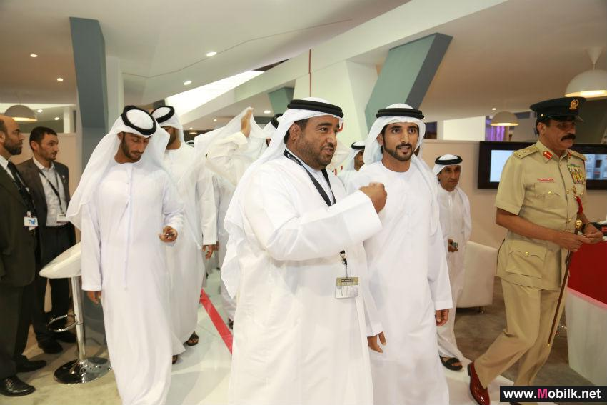 Crowne Prince of Dubai visits Abu Dhabi e-Government pavilion at GITEX 2014