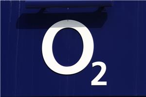 O2 strikes €900m Hansenet deal
