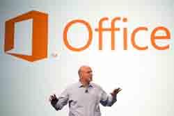 بالمر يؤكّد قدوم تطبيق Office على الآيباد